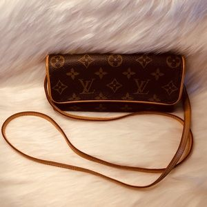 Autehntic Louis vuitton Pochette twin PM.